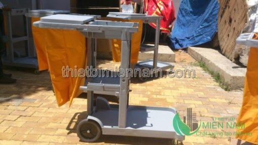 Xe dọn vệ sinh 3 tầng giá rẻ 3