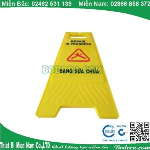 Biển báo đang sửa chữa AF03045 giá rẻ tại Sài Gòn 1